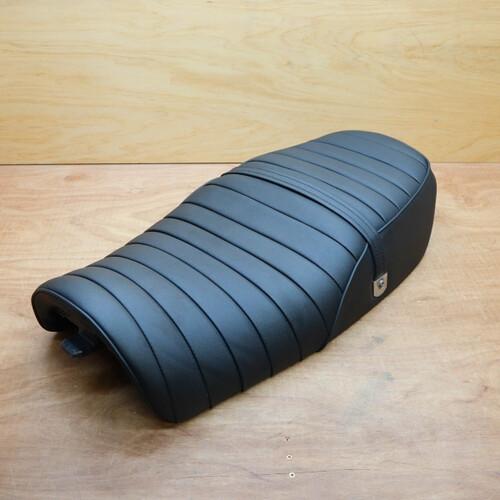 カワサキ ZEPHYR ゼファー750 メーカー不明 純正 張替え タックロールシート 210818BD0008